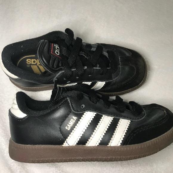 05c99b4a1 adidas Other - Boys Adidas Samba Classic Jr shoes